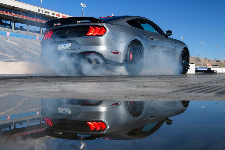 Ford GT500 burnout