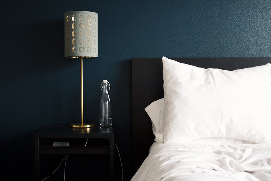 bedroom with lamp