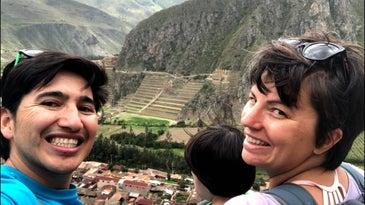 Family traveling in Machu Picchu