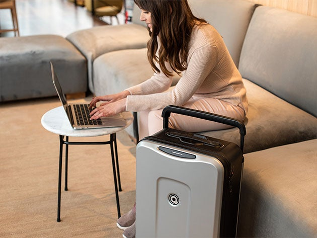Plevo: The Runner - Smart Luggage Set