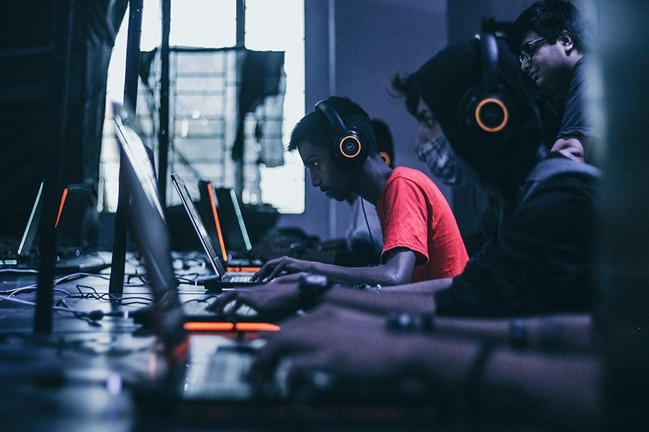kids on gaming laptops