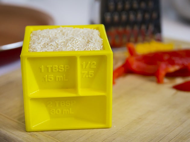 The Kitchen Cube: All-in-1 Measuring Device