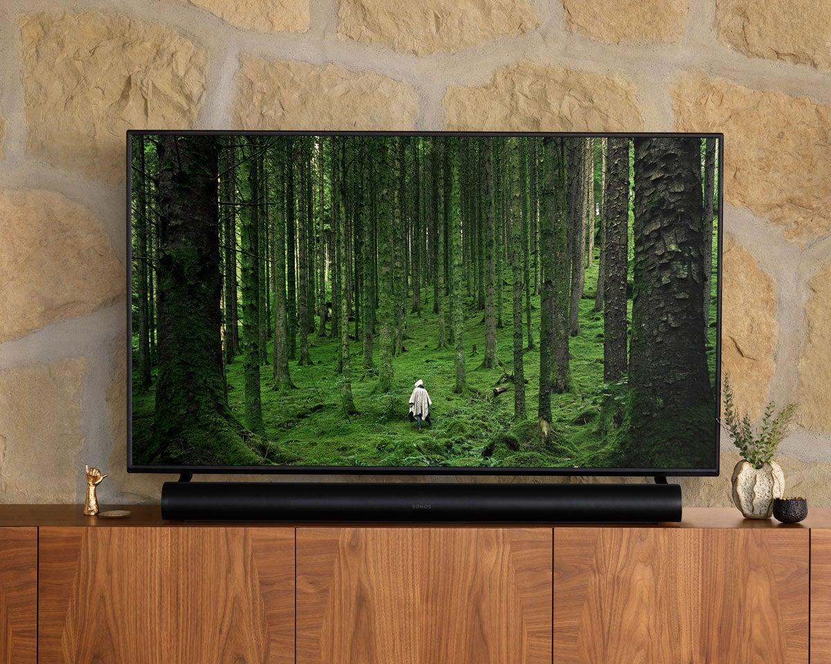 Sonos Arc sound bar with TV