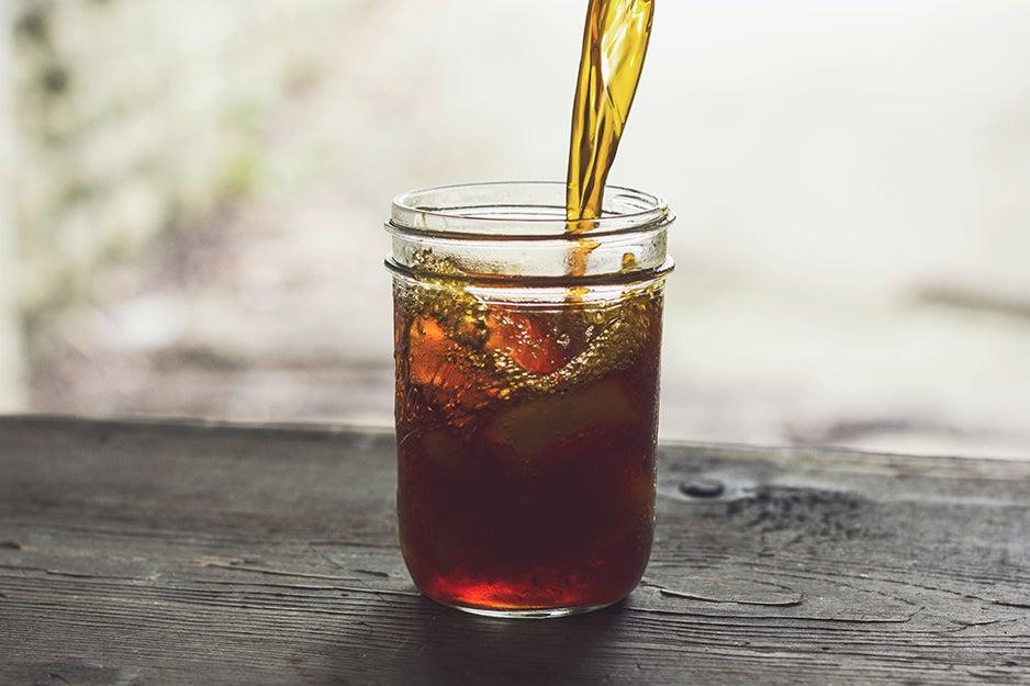 iced tea in a mason jar