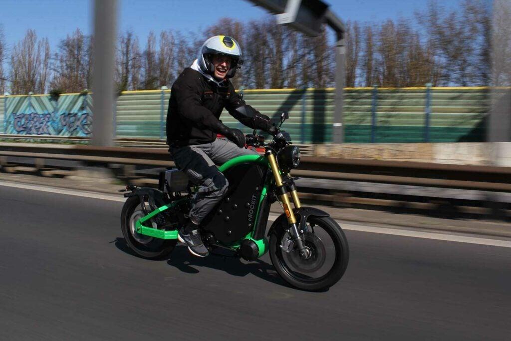 "Sebastian ""Satu"" Kopke rides the pedal-controlled eRockit"