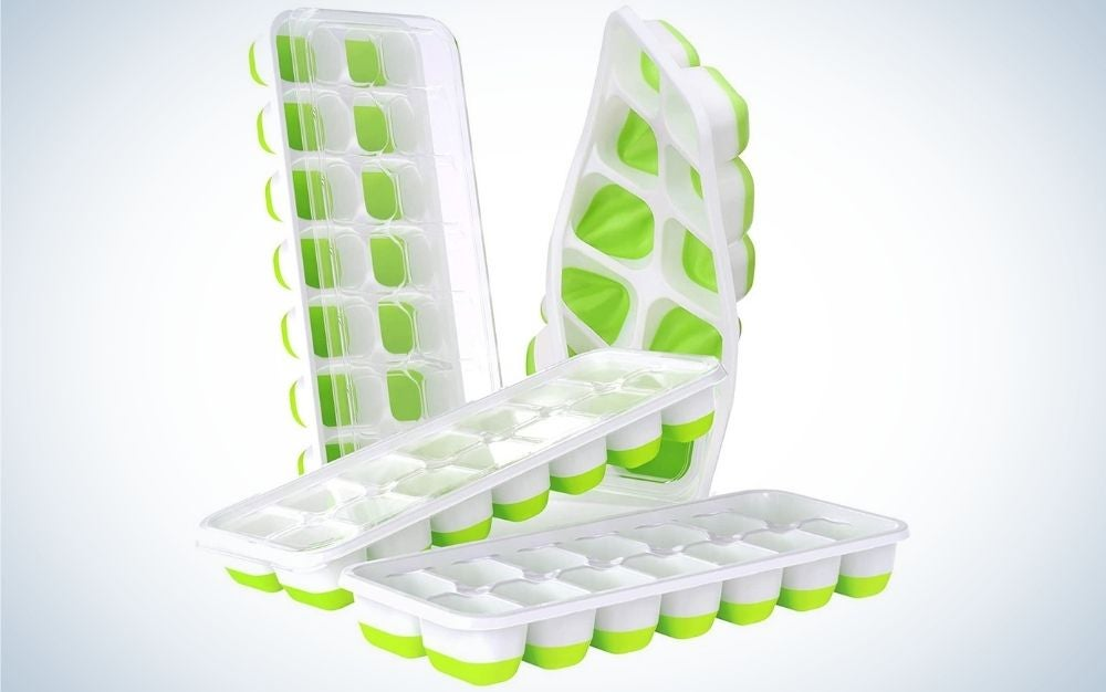 Green and white, 4 pack, silicone ice cube trays with spill-resistant removable lid
