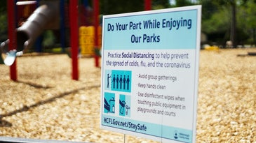 pandemic social distancing sign
