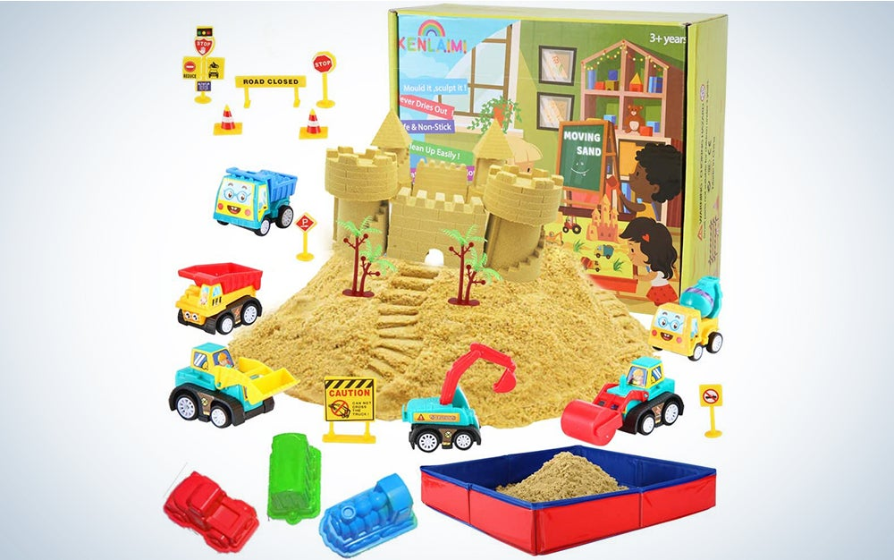 Kenlaimi Play Construction Sand Kit - Foldable Sandbox with 2lbs Sand, 6 Mini Construction Trucks 10 Road Signs,Modeling Tools