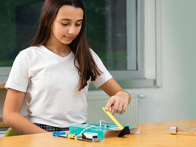 DIY Robot Curiosity Kit for Ages 8 to 10