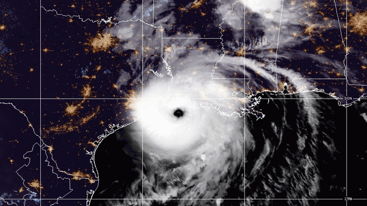 hurricane laura satellite image