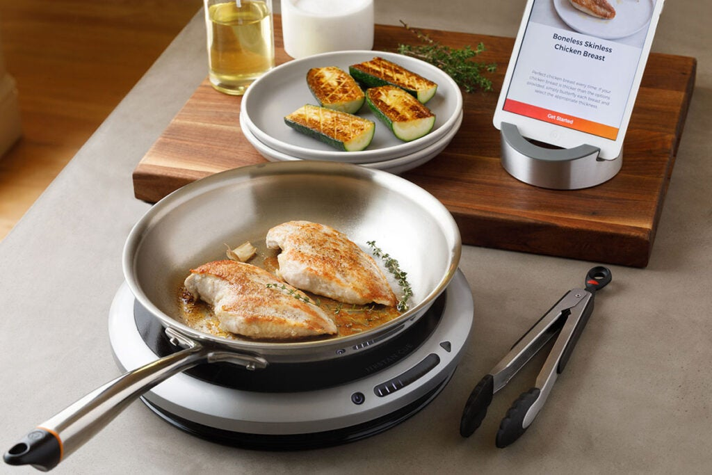 Hestan Cue™ Smart Cooking System