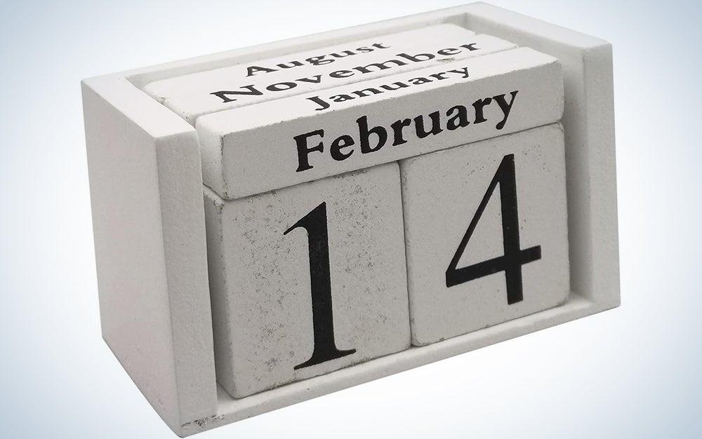 Small Wooden Desk Blocks Calendar