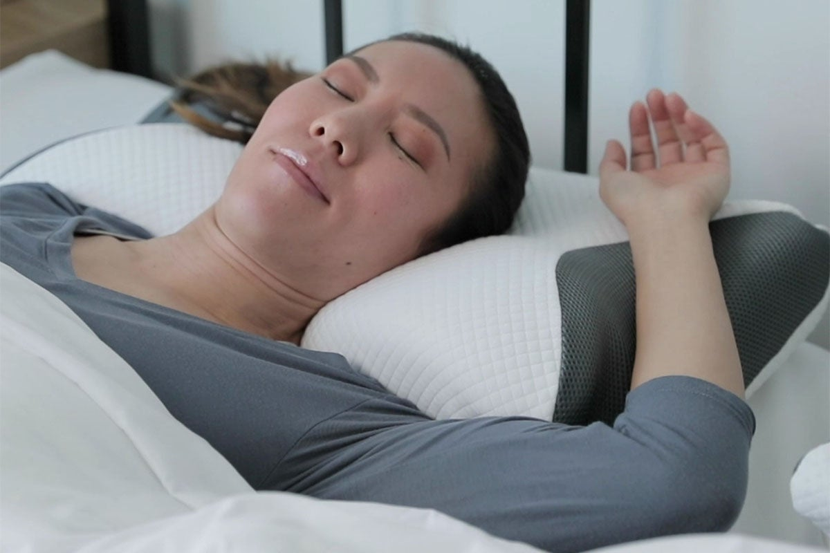 The Carbon SnoreX™ 8-in-1 Cooling Pillow
