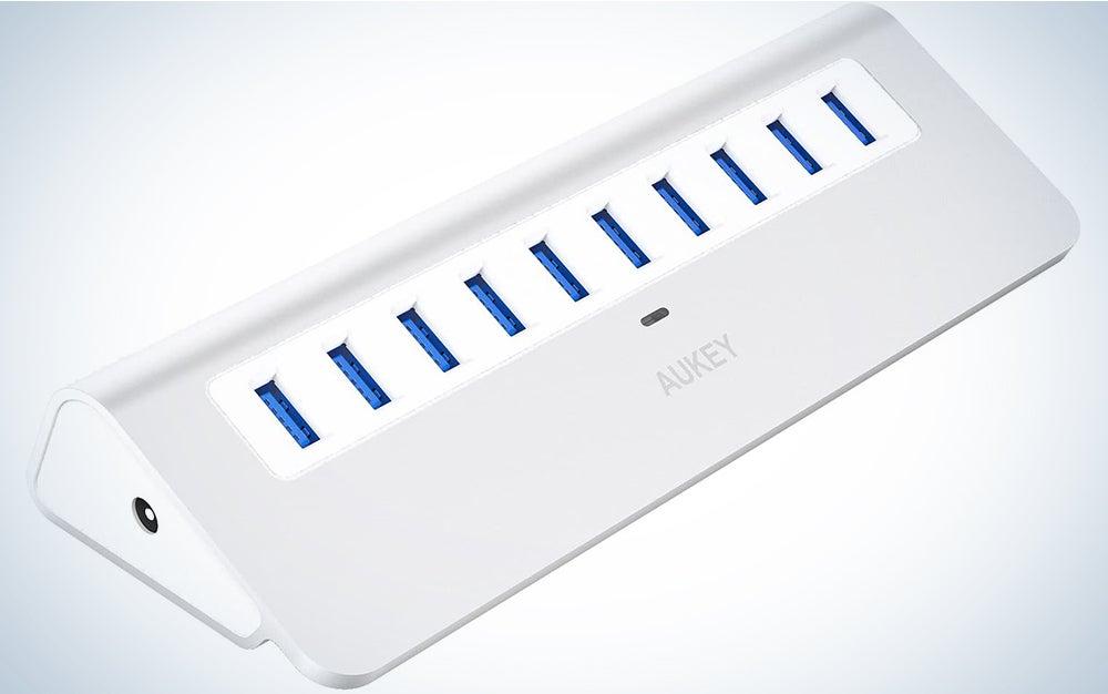 AUKEY Powered USB Hub
