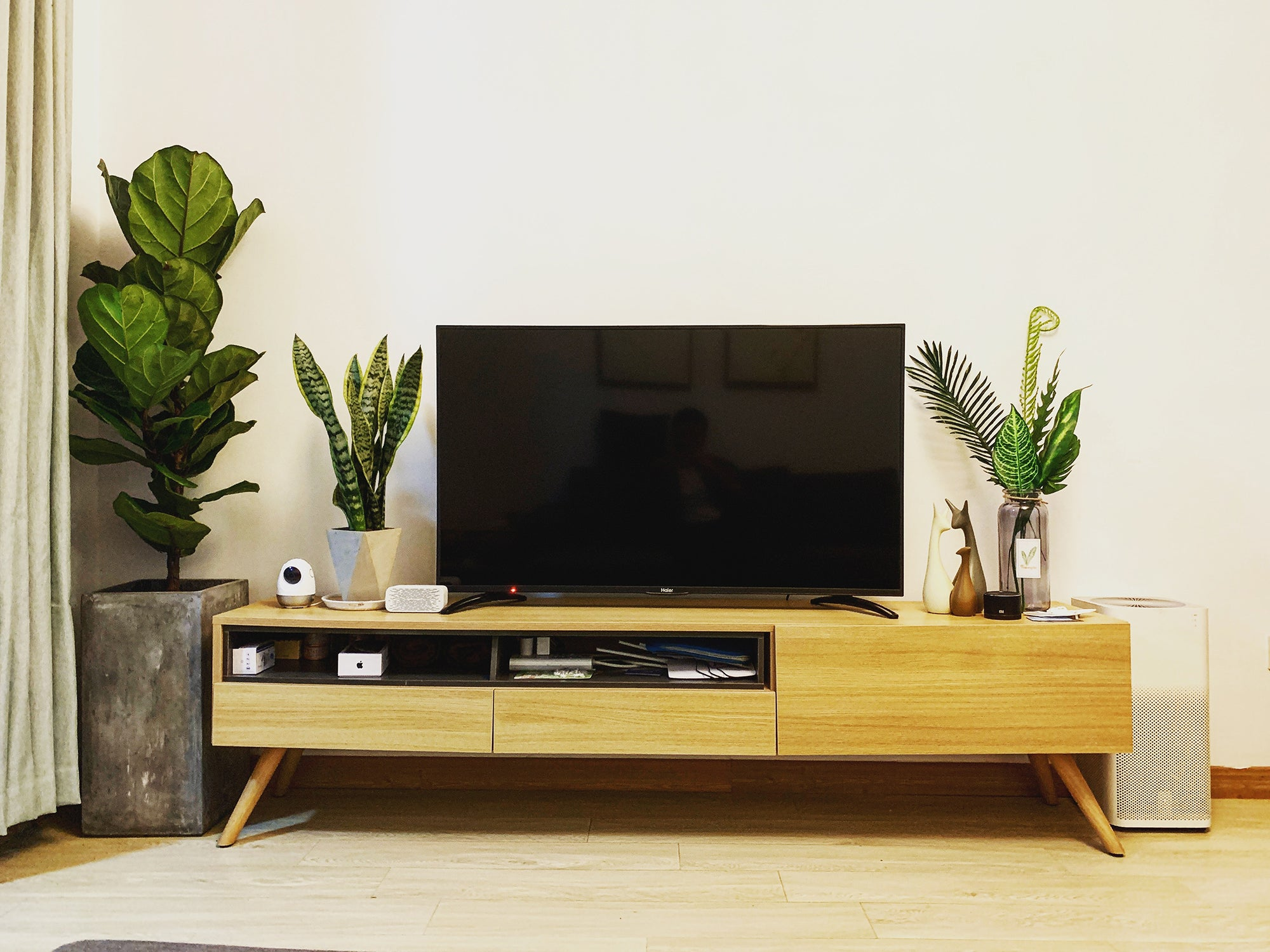 tv on a media console