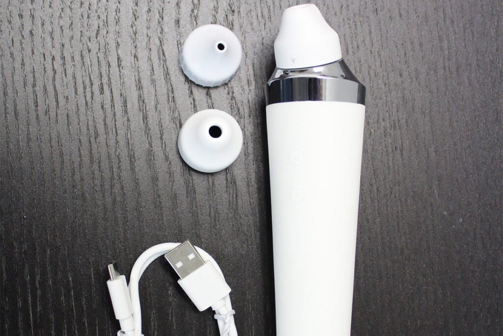 Dermazoom: Microdermabrasion Device with 4D Camera