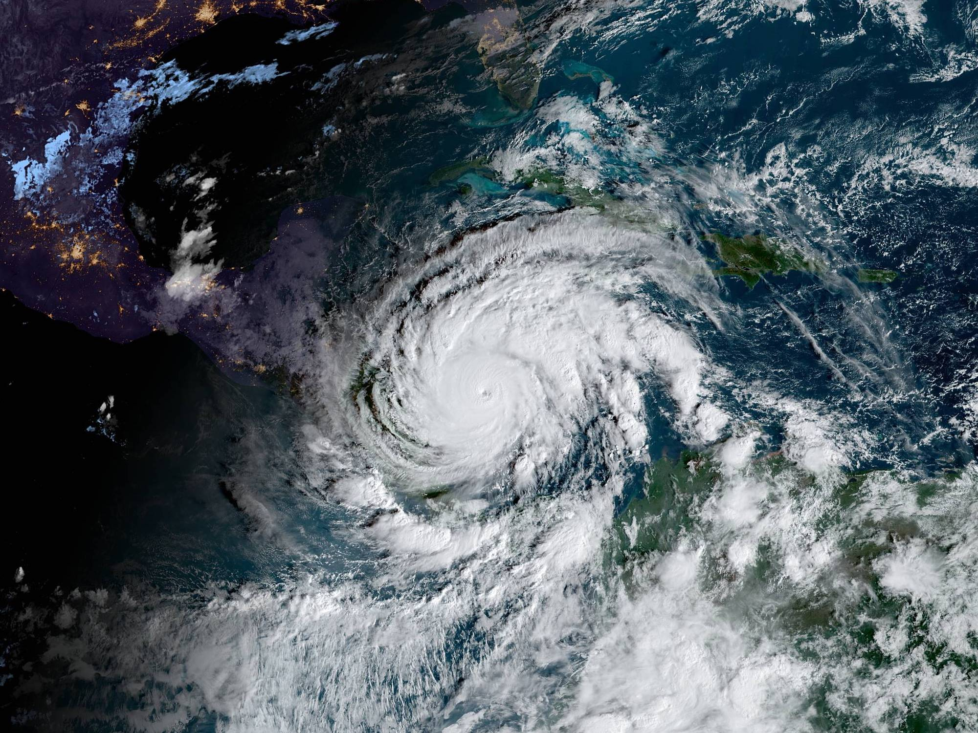 hurricane iota november 16th satellite image