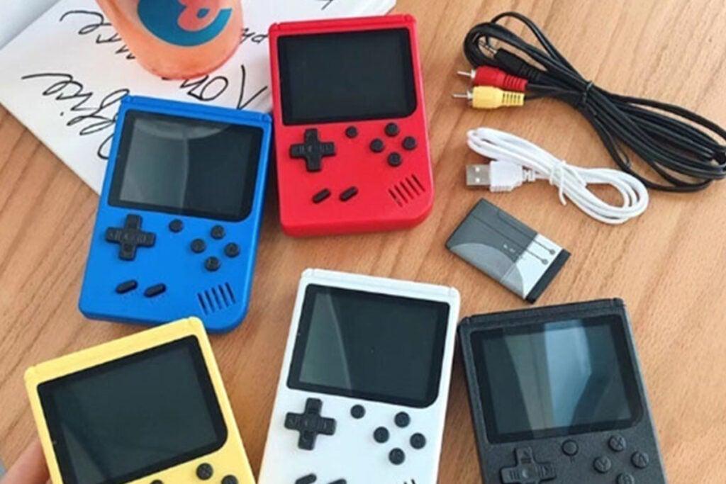 Retro Mini Built-In 400 Video Game Handheld Console