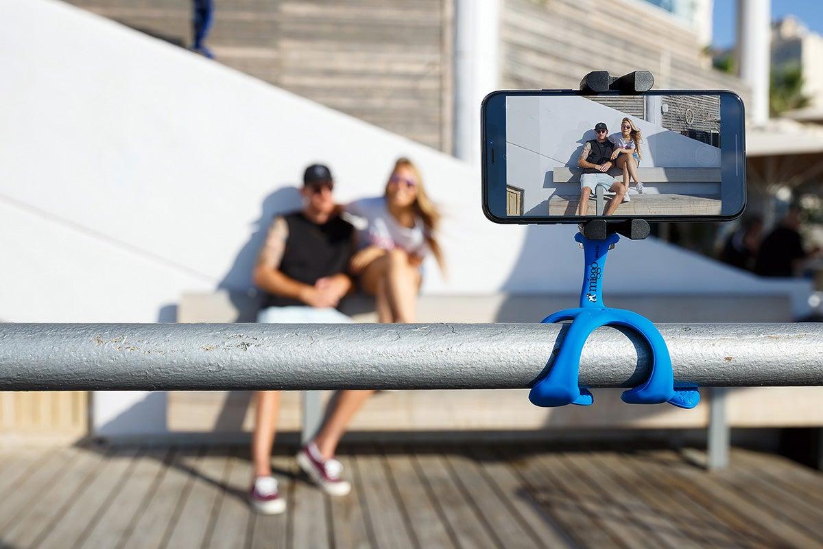 attachable smartphone tripod