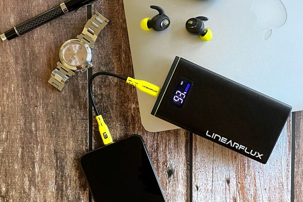 HyperDigital Ultra Series Charger