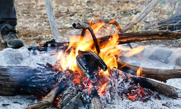 How to build and extinguish a campfire without sparking a catastrophe