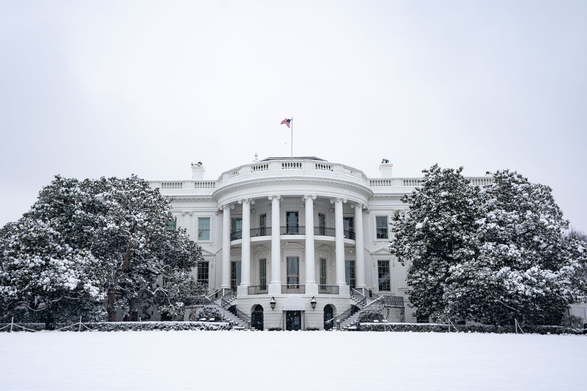 The White House covered in snow
