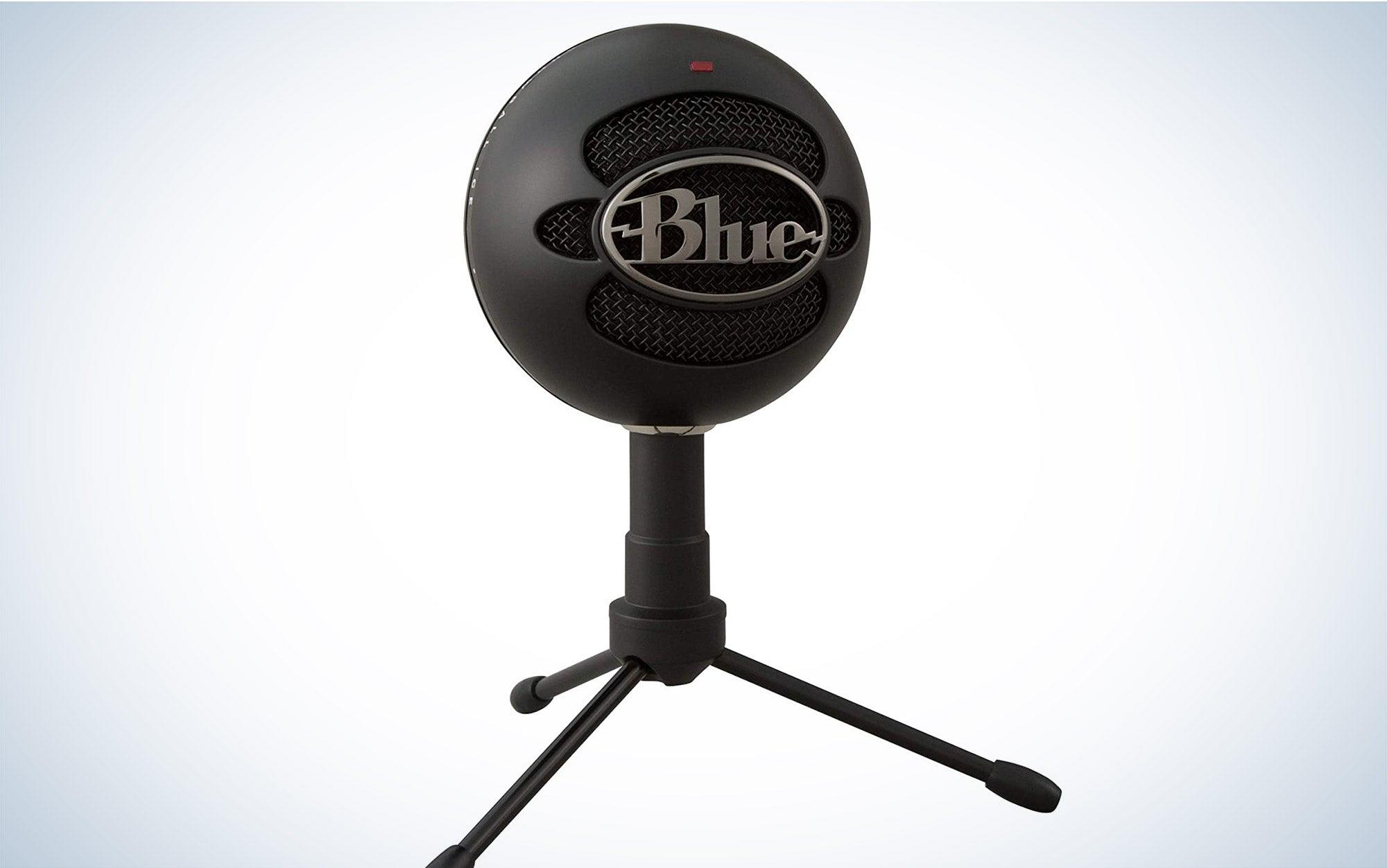 Blue snowball microphone.