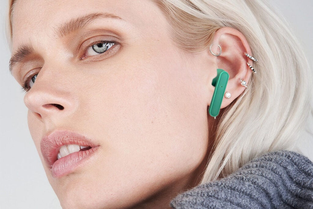 Rubberized Wireless Earbuds + Charging Case (Black Onyx)