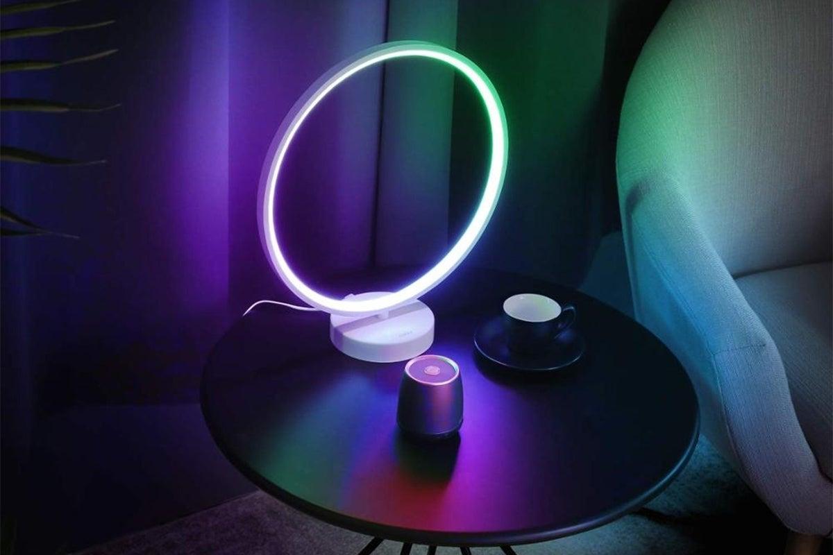 Nordic Mood LED Circle Table Lamp