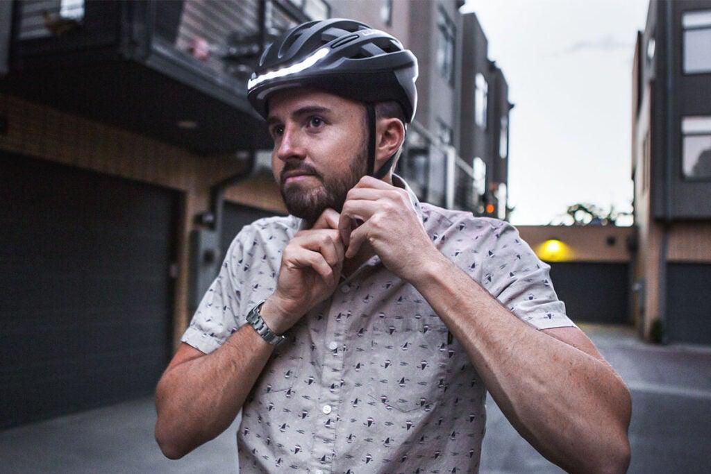 Lumos Smart LED Helmet (Kickstart/Charcoal Black)