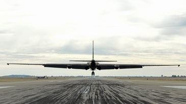 A U-2 spy plane lands.