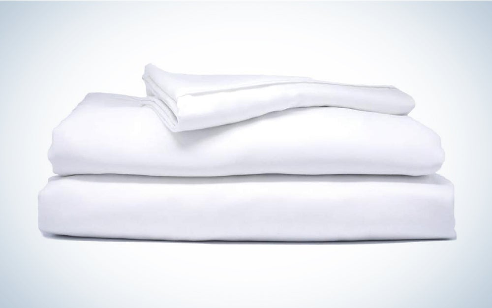 Sheets & Giggles Eucalyptus Lyocell Sheet Set are the best organic sheets and are eco-friendly.