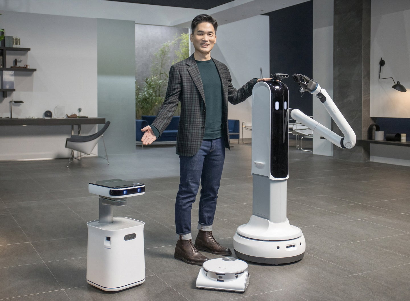 Samsung's new helpful robots at CES 2021.