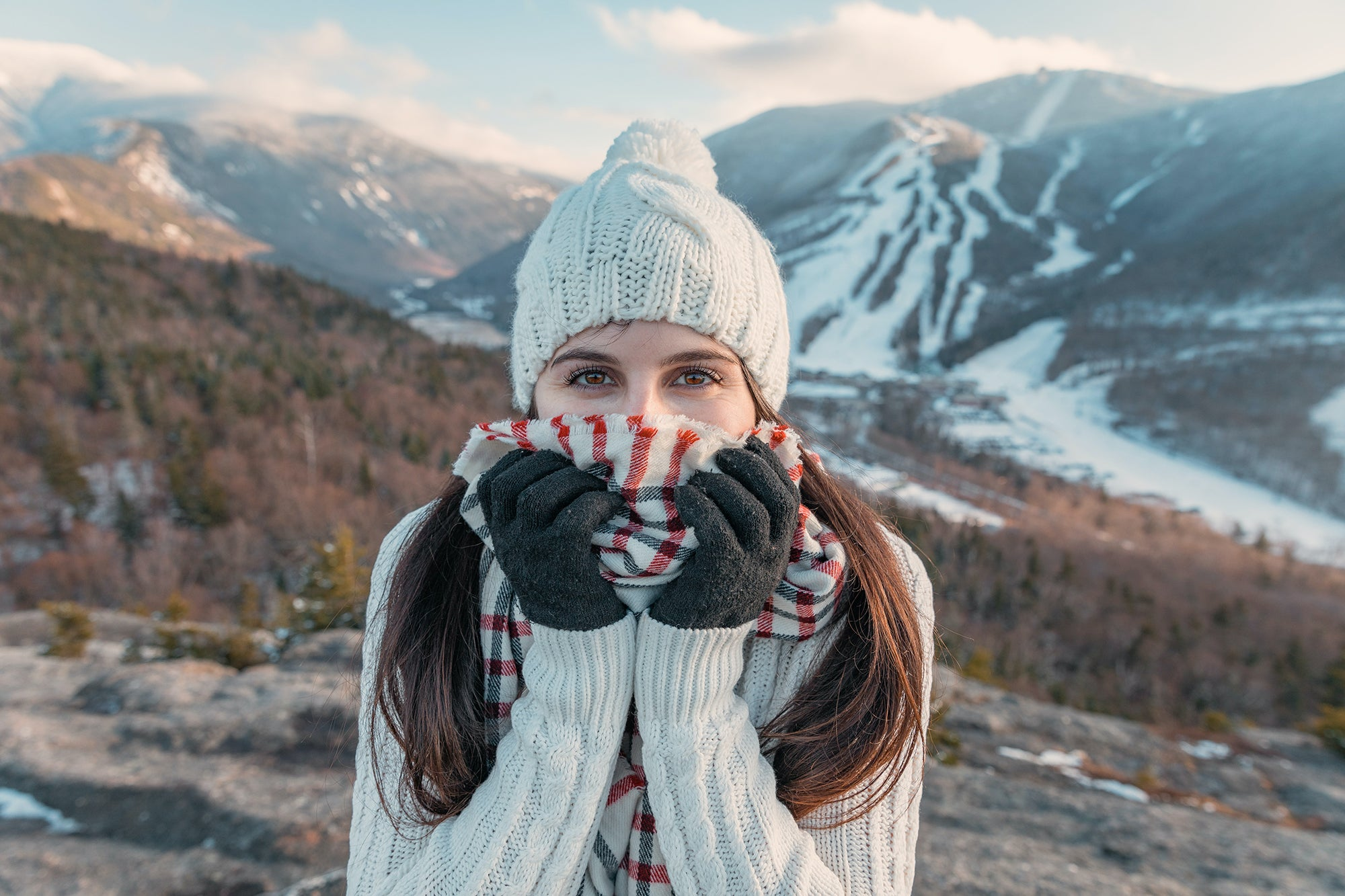 Naked black woman outdoor skiing Best Winter Gloves Accessories You Need For The Cold