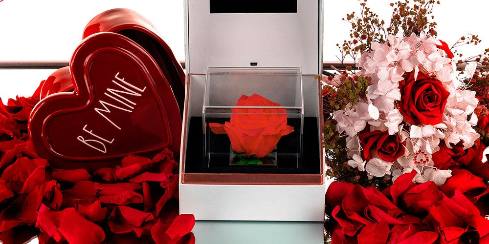 Suono: Forever Rose With Personalized Audio Message