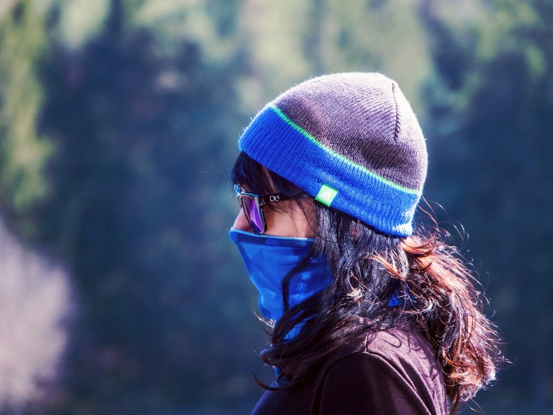 woman wearing mask covid
