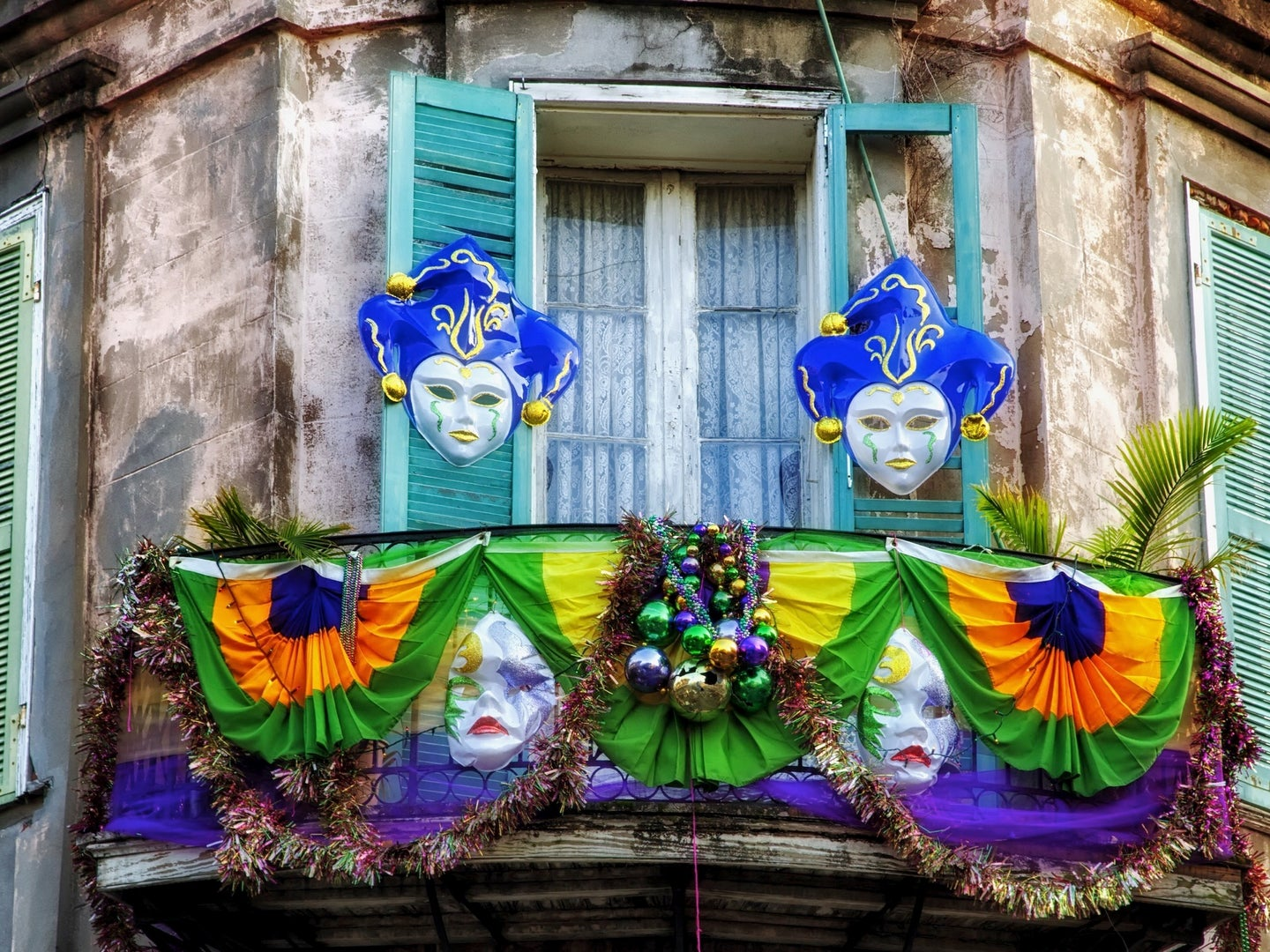 mardi gras decorations in new orleans