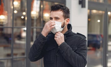 5 must-know tips for safely wearing a mask over facial hair