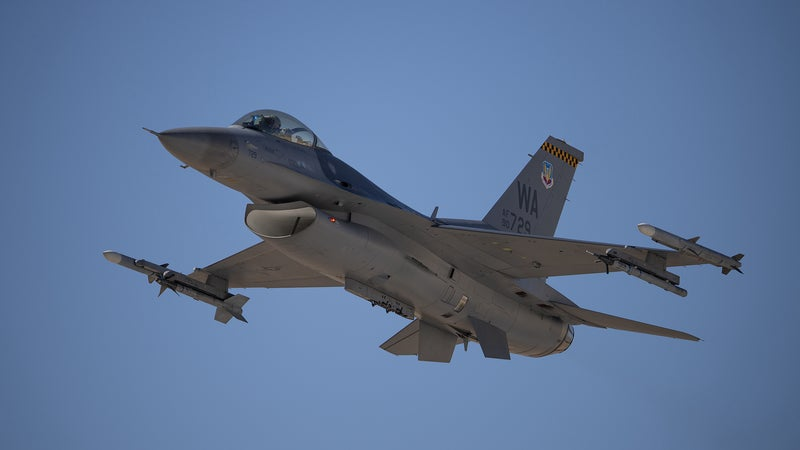 Two fighter pilots passed out over Nevada last year. Software saved them both.