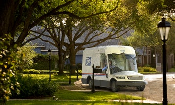 5 things you have to know about the new USPS trucks