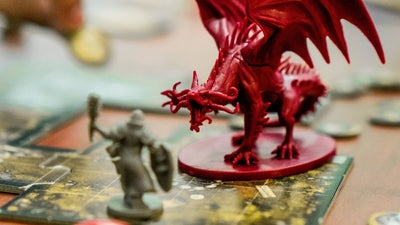 Organize and accessorize your board games with 3D printing