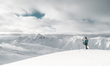 Best snowboarding jackets: Stay warm and comfortable in the snow