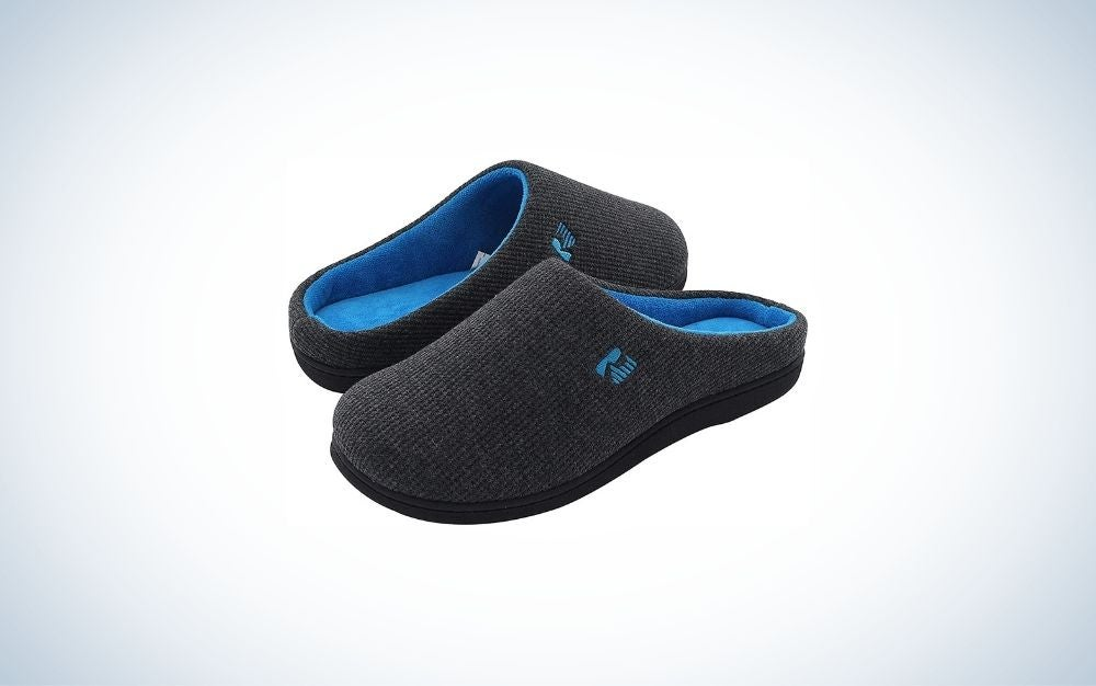 Black and blue men's slippers