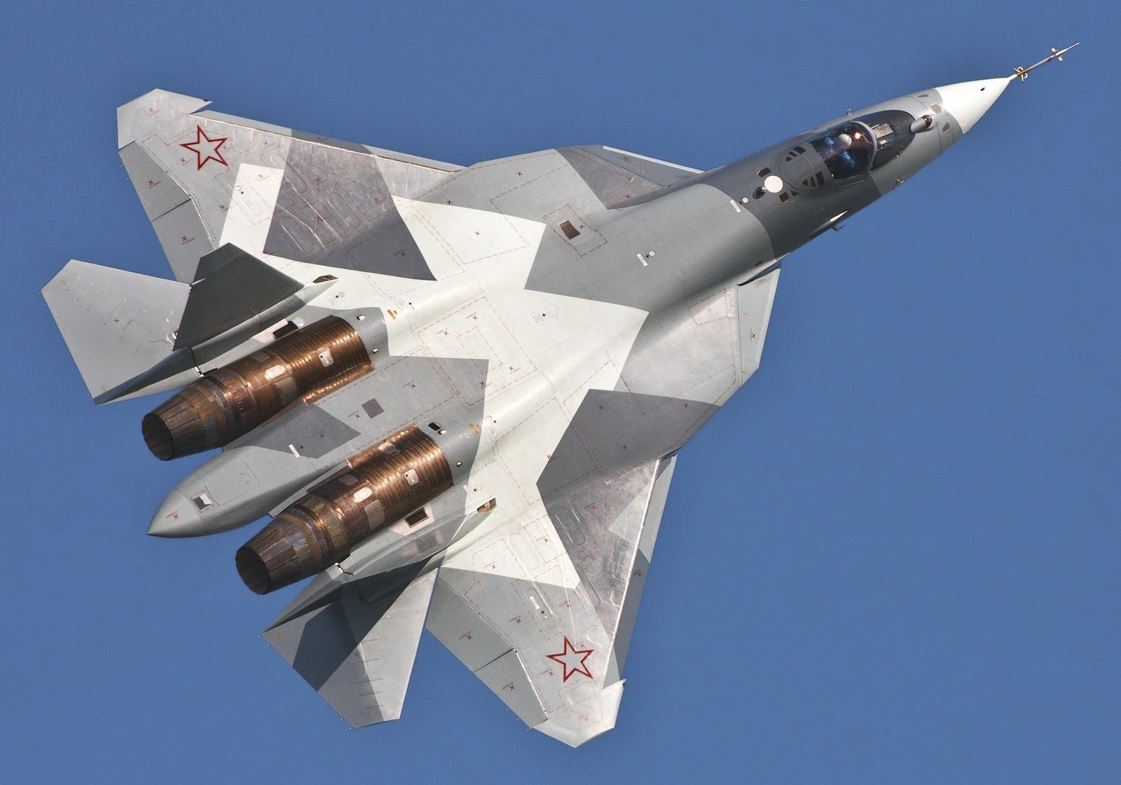Russian fighter pilots could soon fly alongside bomb-filled combat drones