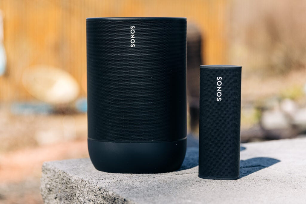 The Sonos Roam next to the Sonos Move speakers to compare the size.
