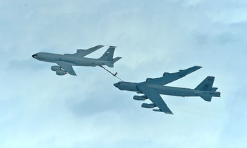 Refueling B-52s in the sky is hard, so the Air Force is trying VR simulators
