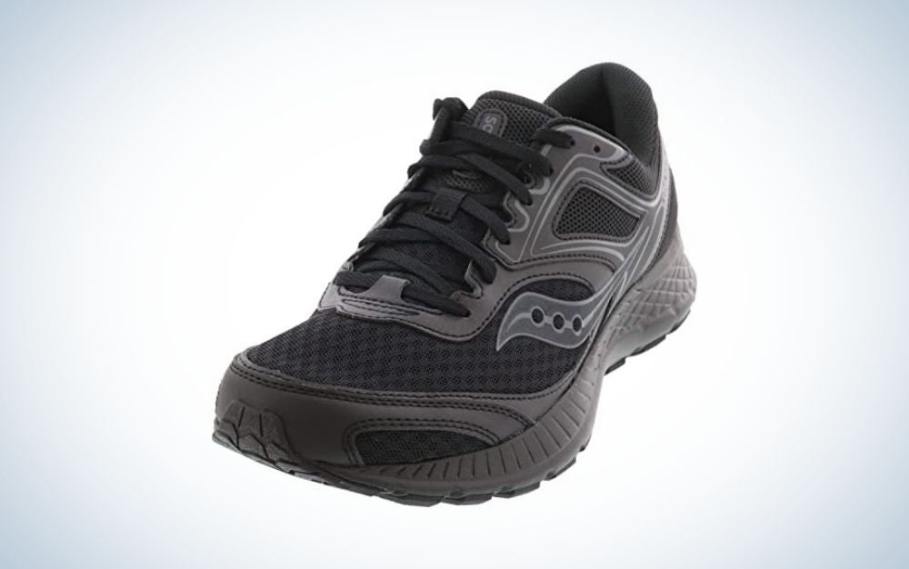 Black walking shoes for men with laces