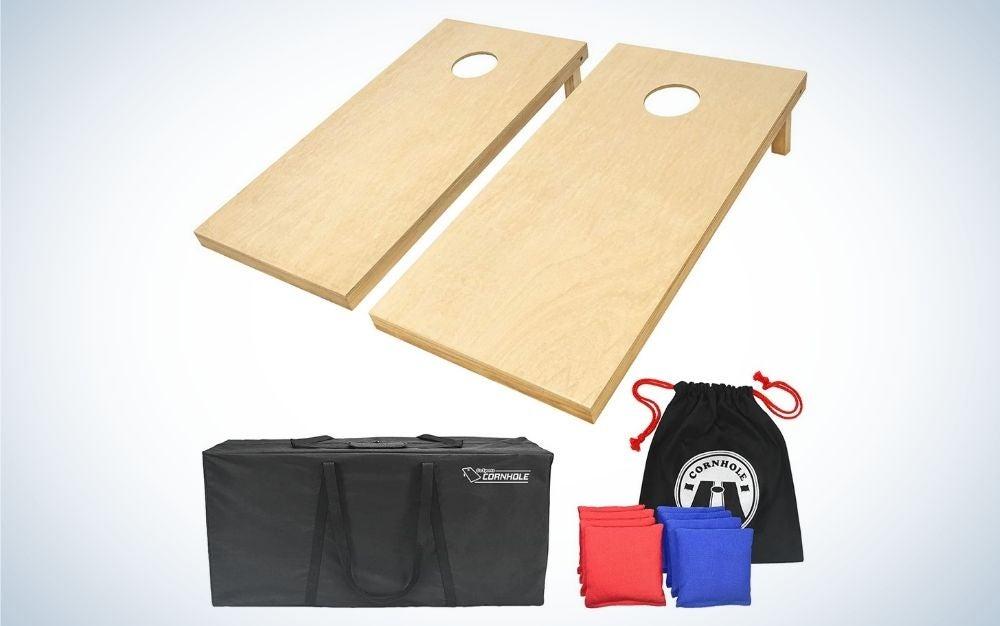 Wood cornhole set, 8 all-weather regulation bean bags, carrying case, and bean bag tote backyard set