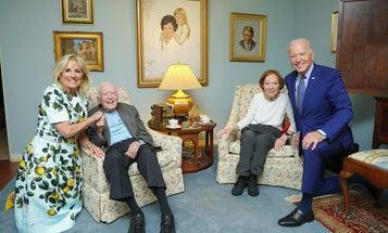 Understanding the weird Biden-Carter photo could help you take better selfies