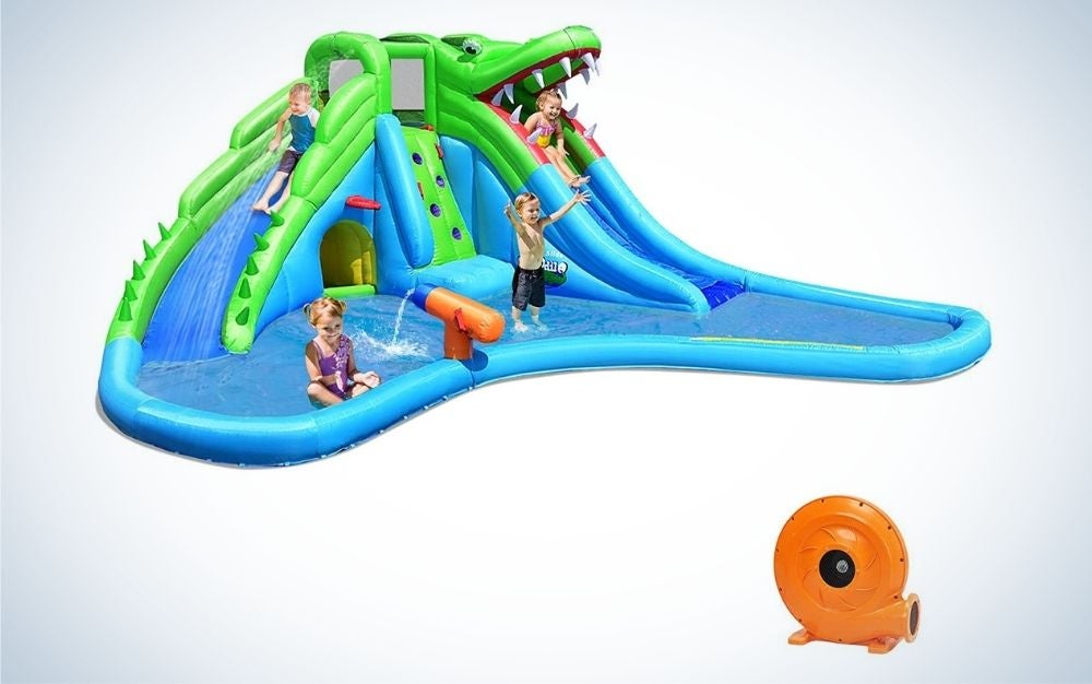Blue and green crocodile inflatable water slide with air blower